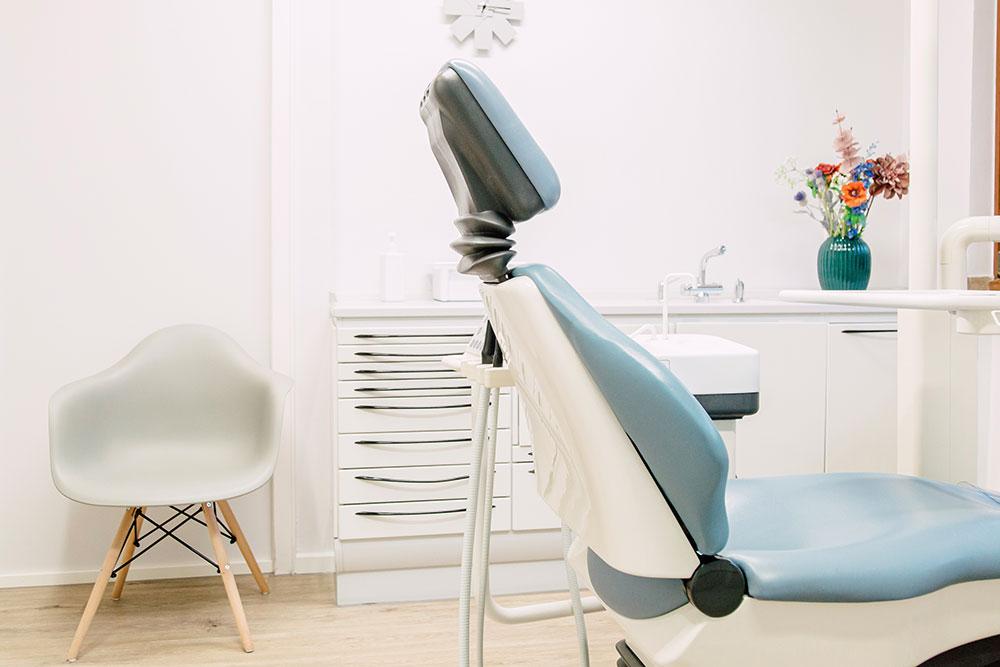 Zahnarzt Köln-Bayenthal - Dr. Andrea Fedder - Prophylaxezimmer